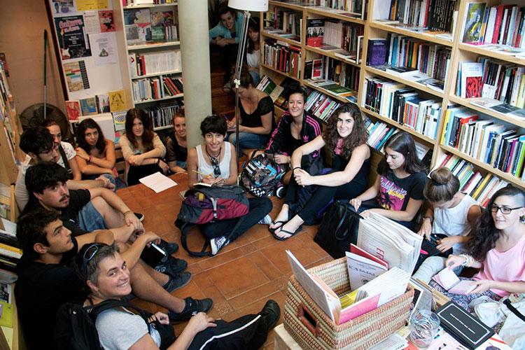 Librería Kaxilda foto de grupo
