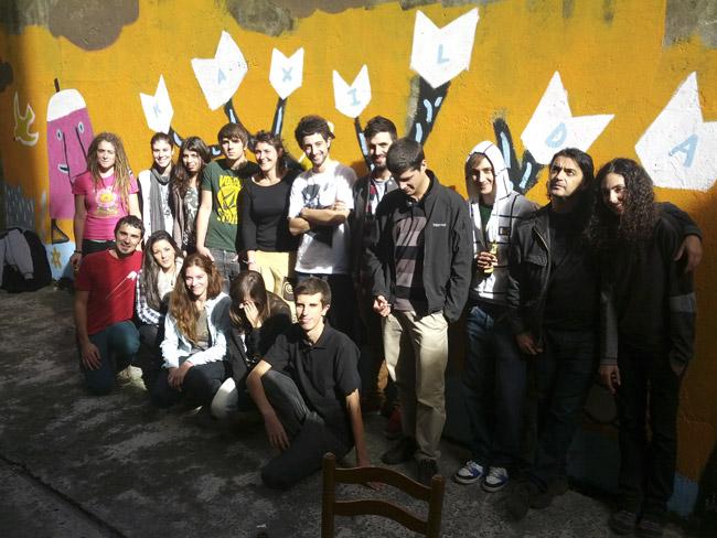 1º curso de Usandizaga Diseño que ha diseñado los Marcapáginas para Kaxilda