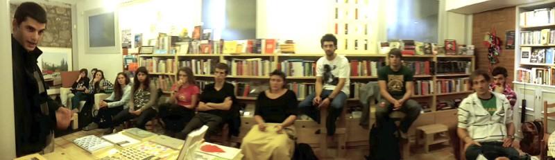 1º curso Usandizaga Diseño en la librería Kaxilda