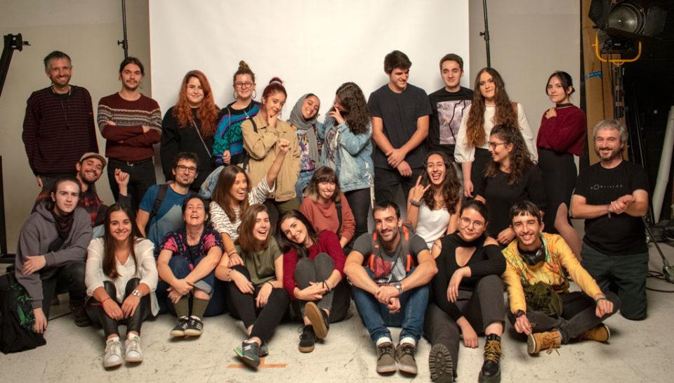 formación en diseño gráfico en Euskadi - Foto de equipo visita a Kontraluz Estudio