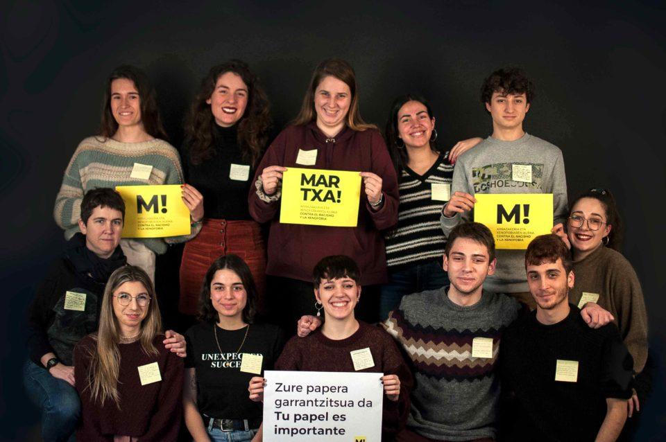 foto de equipo de estudiantes usandizaga con imagen de martxa